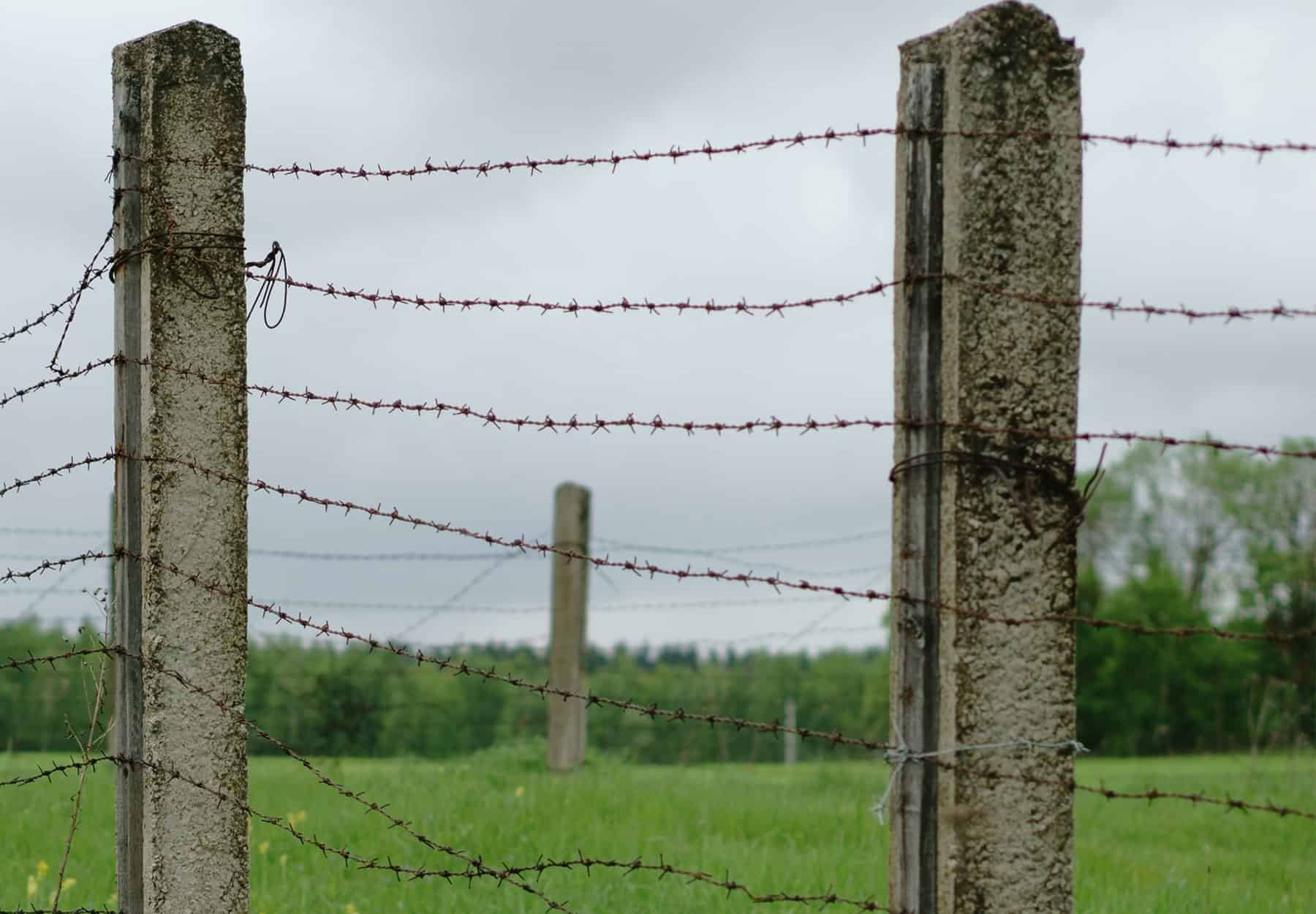 How To Attach Barbed Wire To Posts Legend Fence Corp