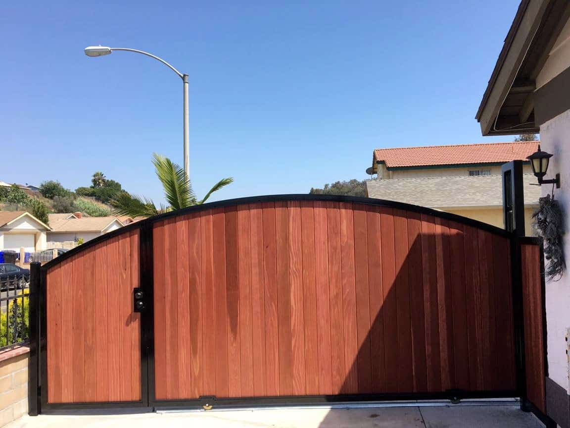 Driveway Gate - Legend Fence Corp